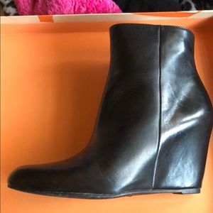 Via Spiga Black Leather V Abri  Ankle Boot 7.5